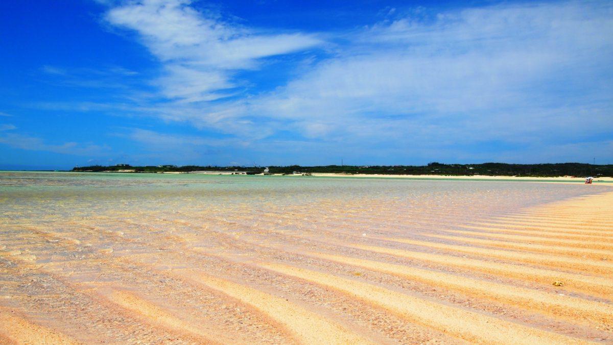 百合ヶ浜の砂紋、暑い。