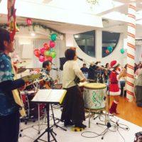 昨日は与論島のクリスマスイブなので、カチャーシーでした。