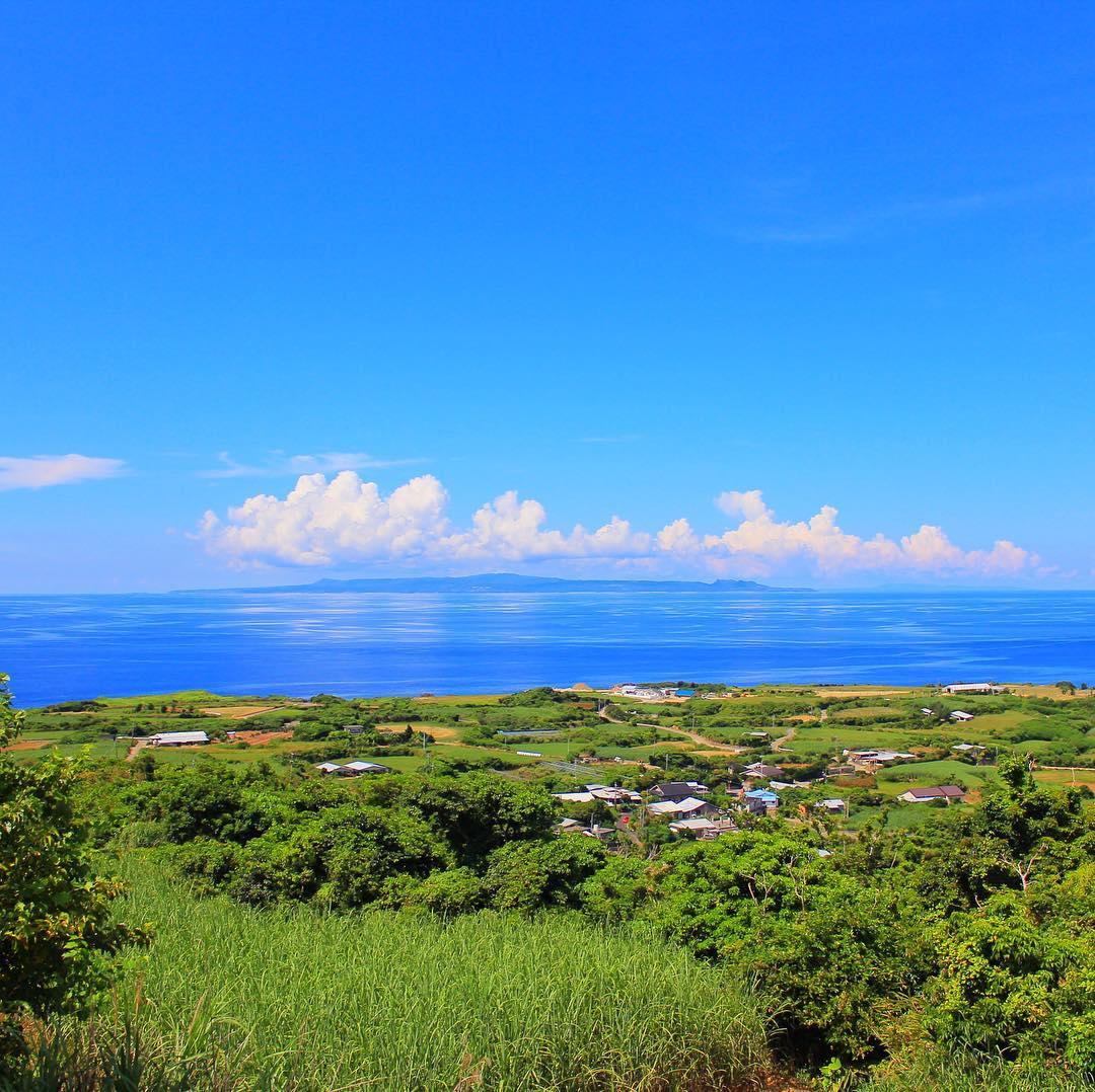 沖縄を眺める