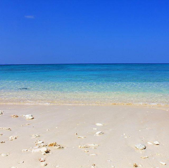 ここ数日、とてもいい天気の与論島。暑いです。とても暑いです。#46n #与論島の海 #与論島の空 #yoron #ocean #beach #ヨロン
